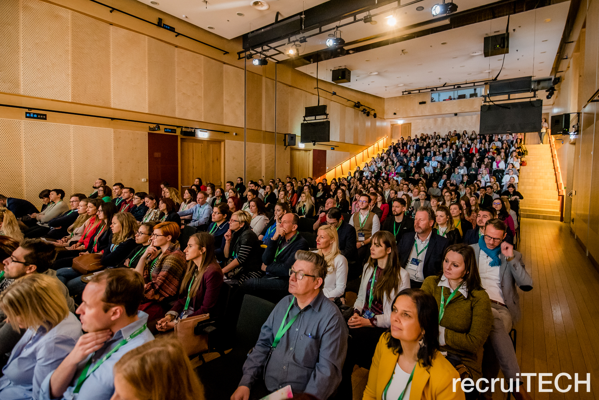 Imagine de la o ediție din Ungaria a evenimentului recruiTECH